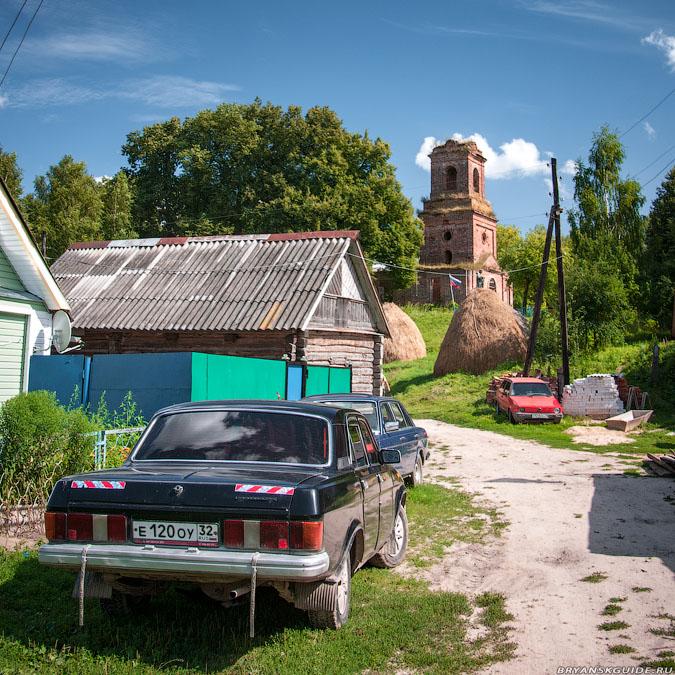Алёшенка. Церковь Михаила Архангела (июль 2009)