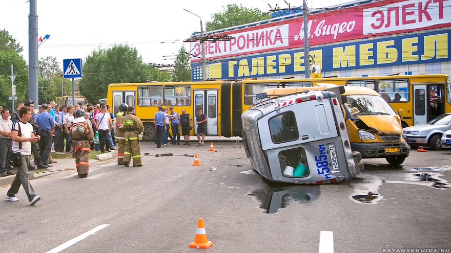 ДТП на перекрёстке у Комсомольского