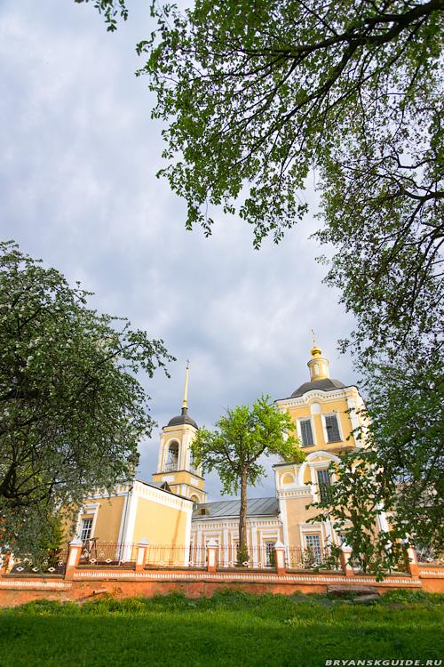 Воскресенская церковь, Брянск