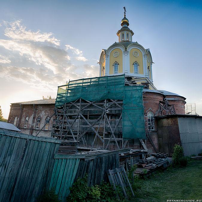 Церковь Николая Чудотворца в Карачеве