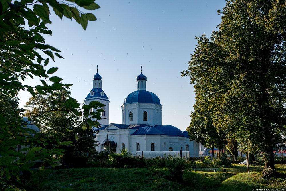 Трубчевск. Церковь Покрова Пресвятой Богородицы