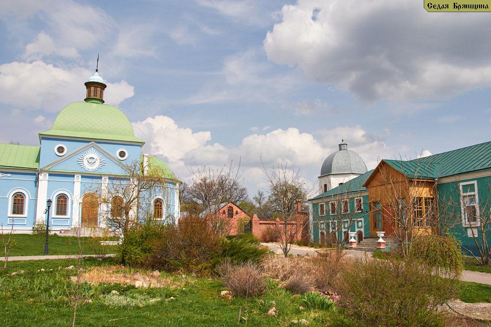 Коммуна Пчела. Монастырь Богородицкая Площанская пустынь