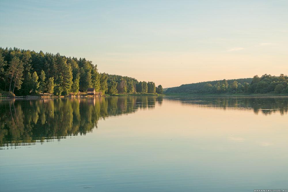 Мирковы Уты. Церковь и пруд (август 2020)